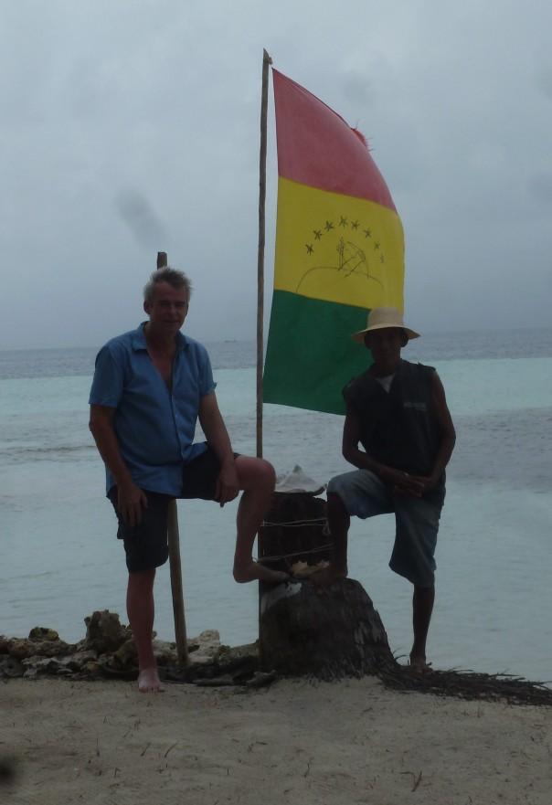 Rechts: eilandeigenaar, signor Lopez